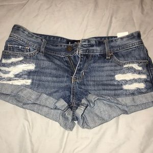Hollister low-rise distressed jean short